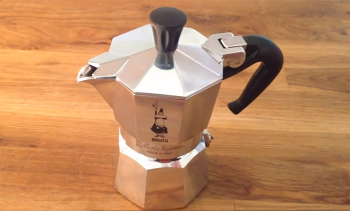How To Make Coffee Using A Moka Pot - Coffee Grind Guru